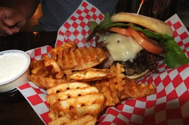 JS_Hawaii_Kemo Farm Burgers_Jan_2014_2
